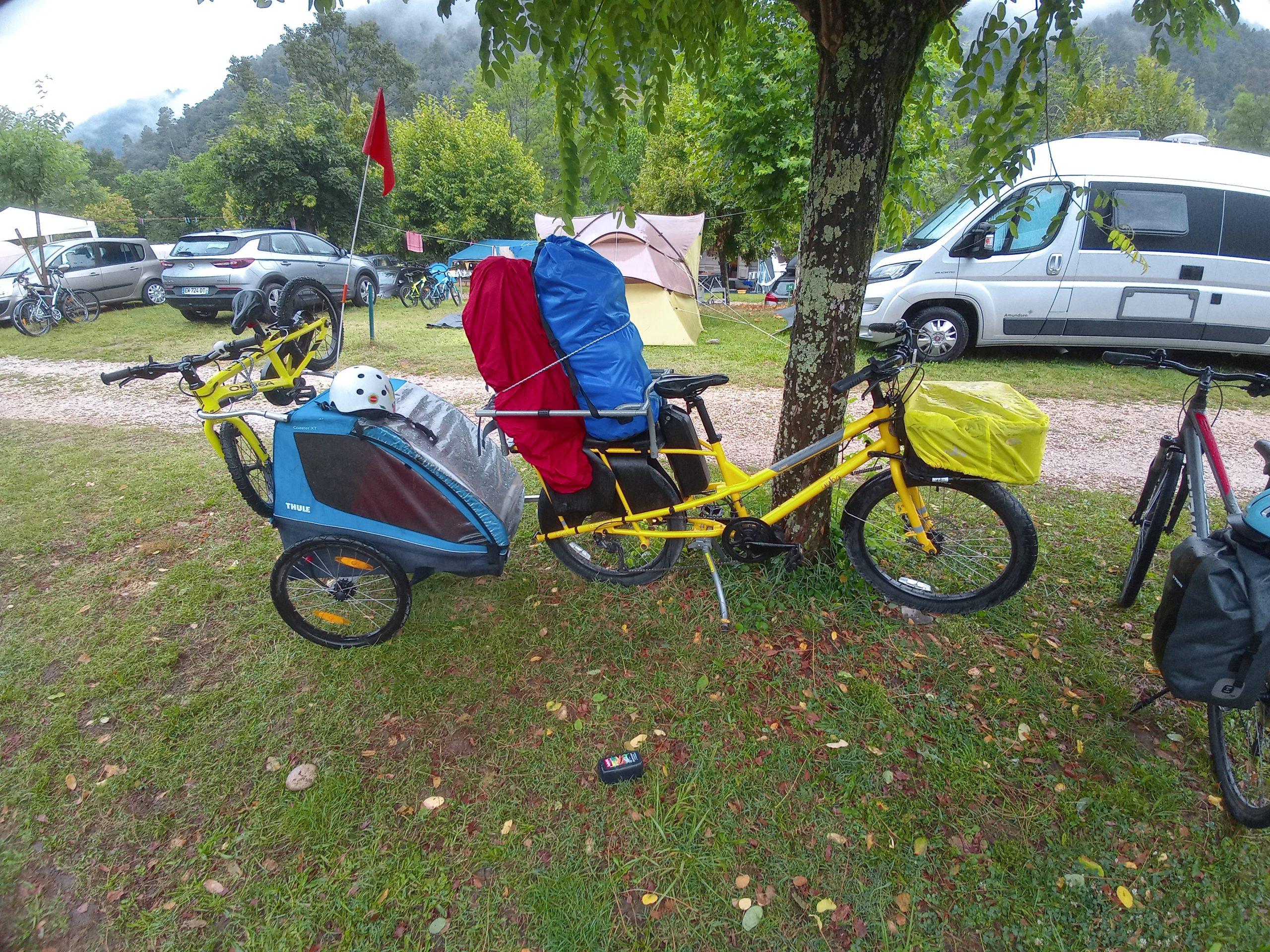 Dolce Via en famille à vélo - sous la pluie
